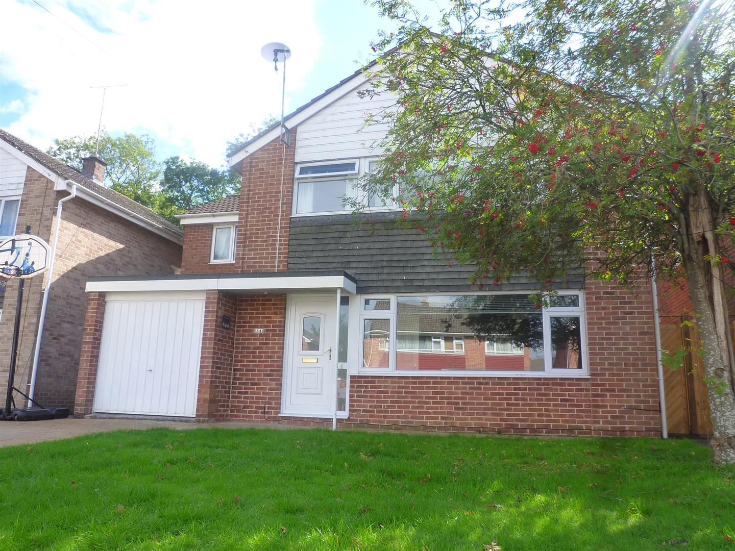 4 Bedrooms Detached House for sale in Green Lane, Trowbridge